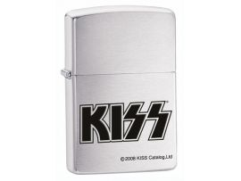 Зажигалка бензиновая Zippo KISS